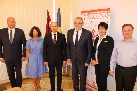 Tikšanās ar Moldovas Republikas vēstnieku